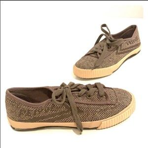 FEIYUE Plain Lovers Sneaker Light Brown Size 36